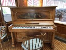 Cool piano in La Duchesse